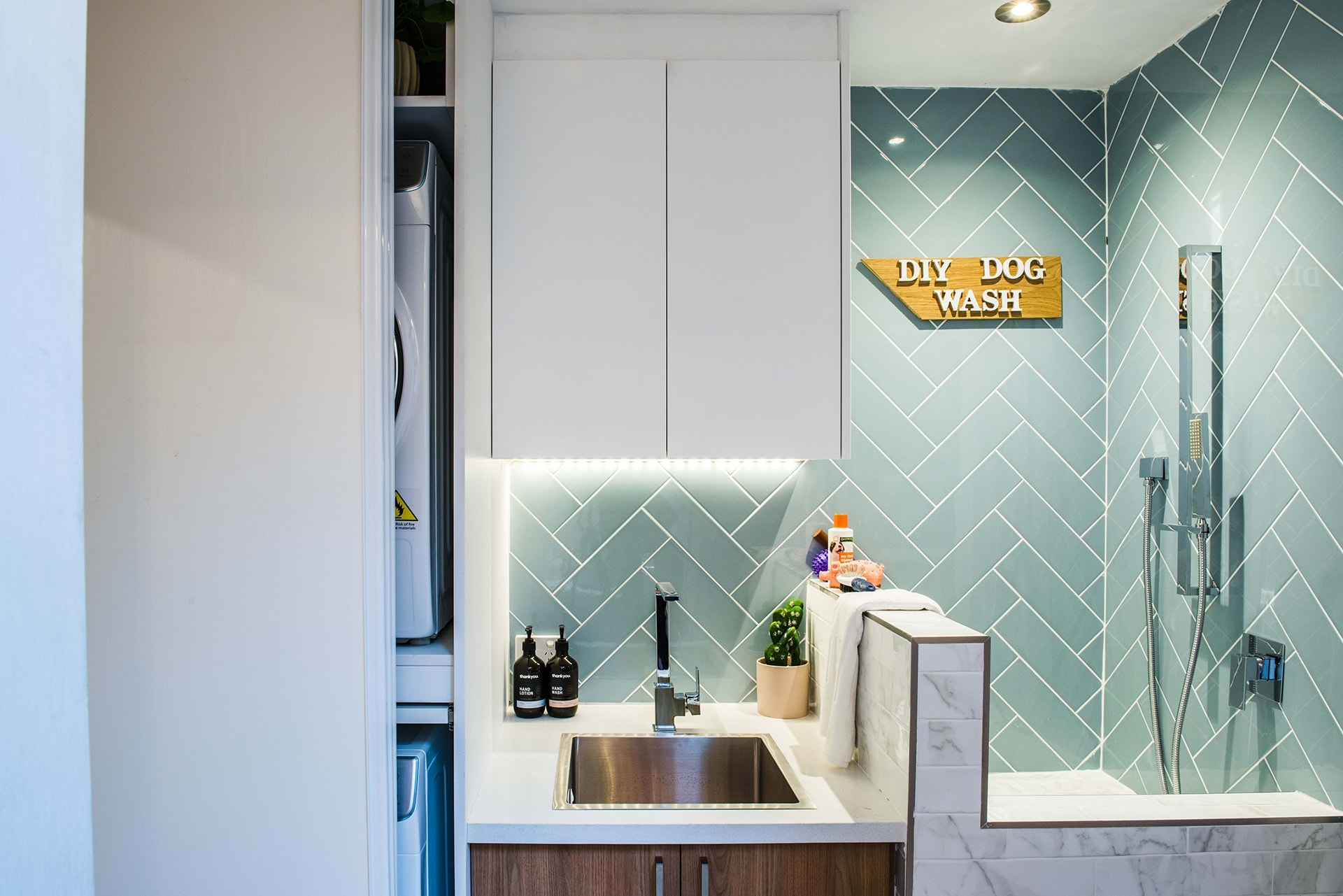 house rules 2019 lisa and andy laundry with turquoise subway tiles