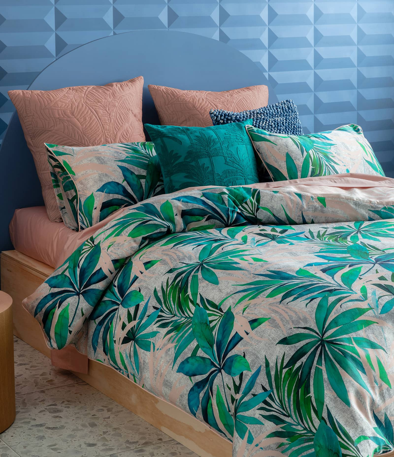 kas kurrajong tropical quilt cover set with green leaf pattern