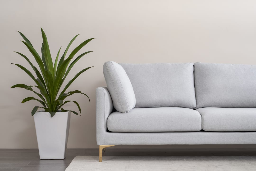 How To Decorate A Small Living Room 10 Tricks Tlc Interiors