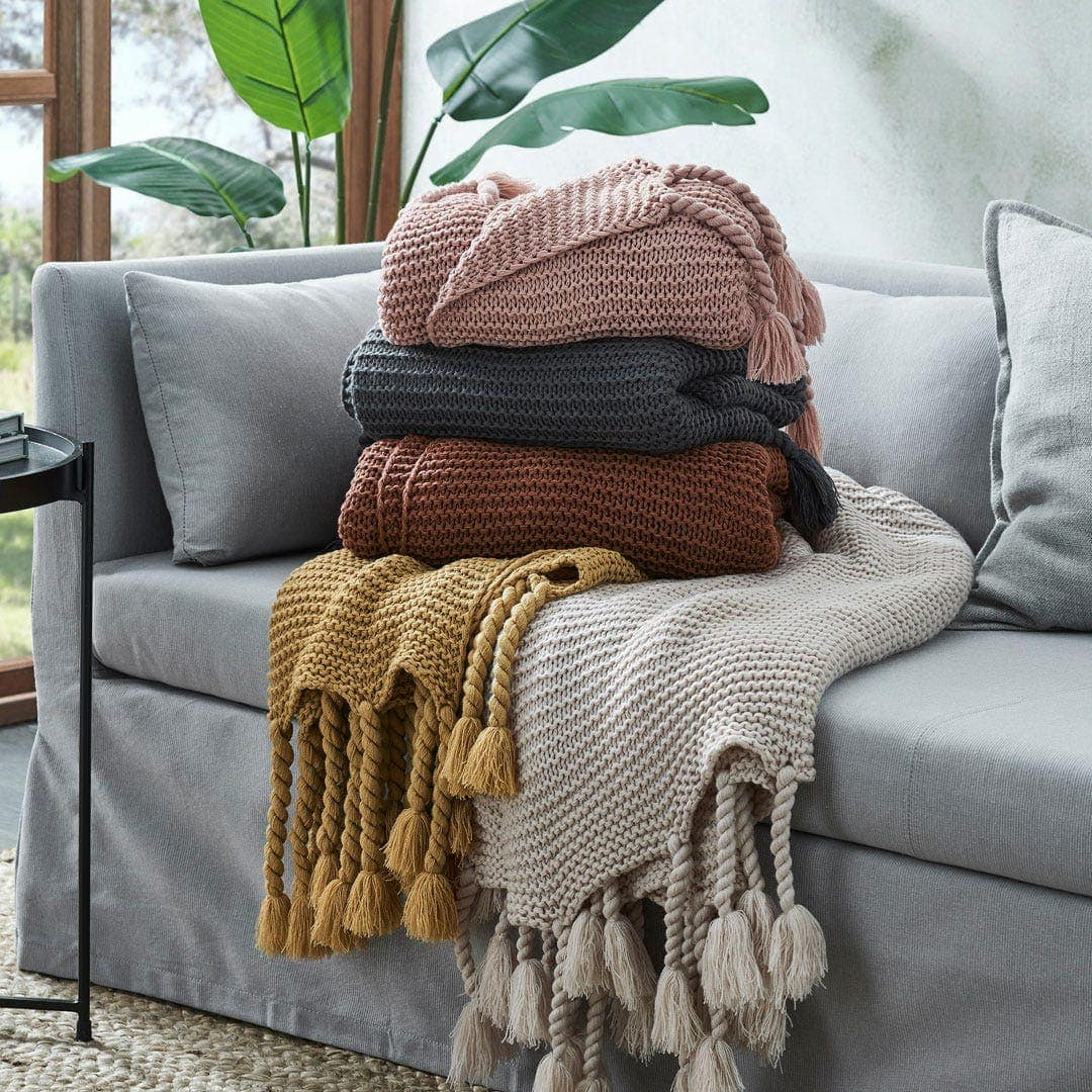 mogan and finch chunky throw blankets with tassels from bed bath n table