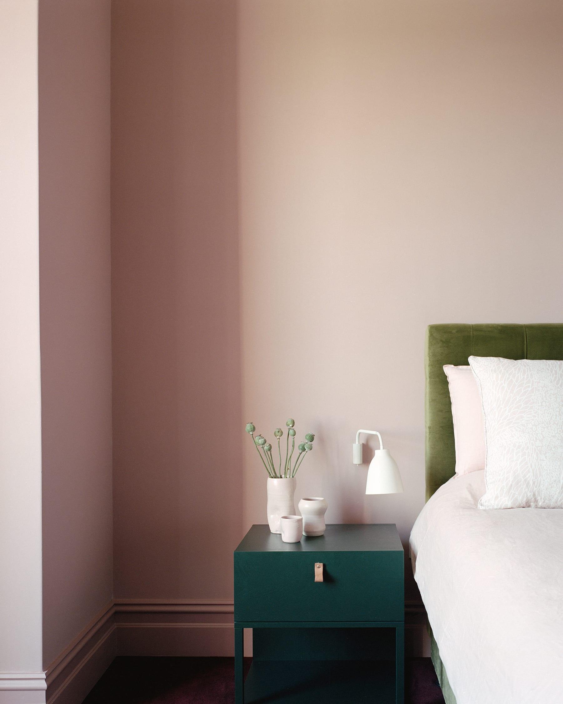 dulux raspberry kahlua pale pink bedroom ideas