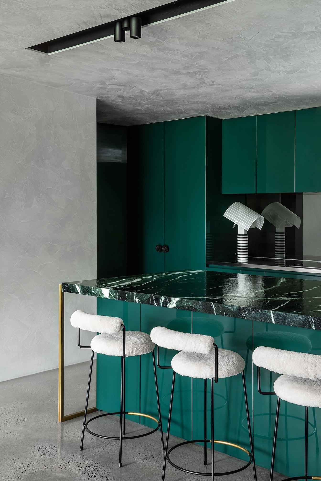 emerald green kitchen dulux black water paint colour