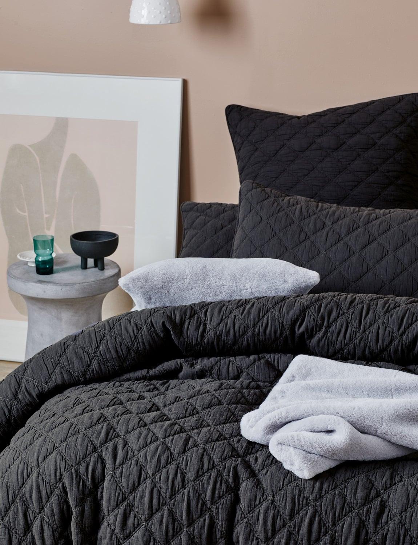 lorraine lea austin black quilted stitch quilt cover set