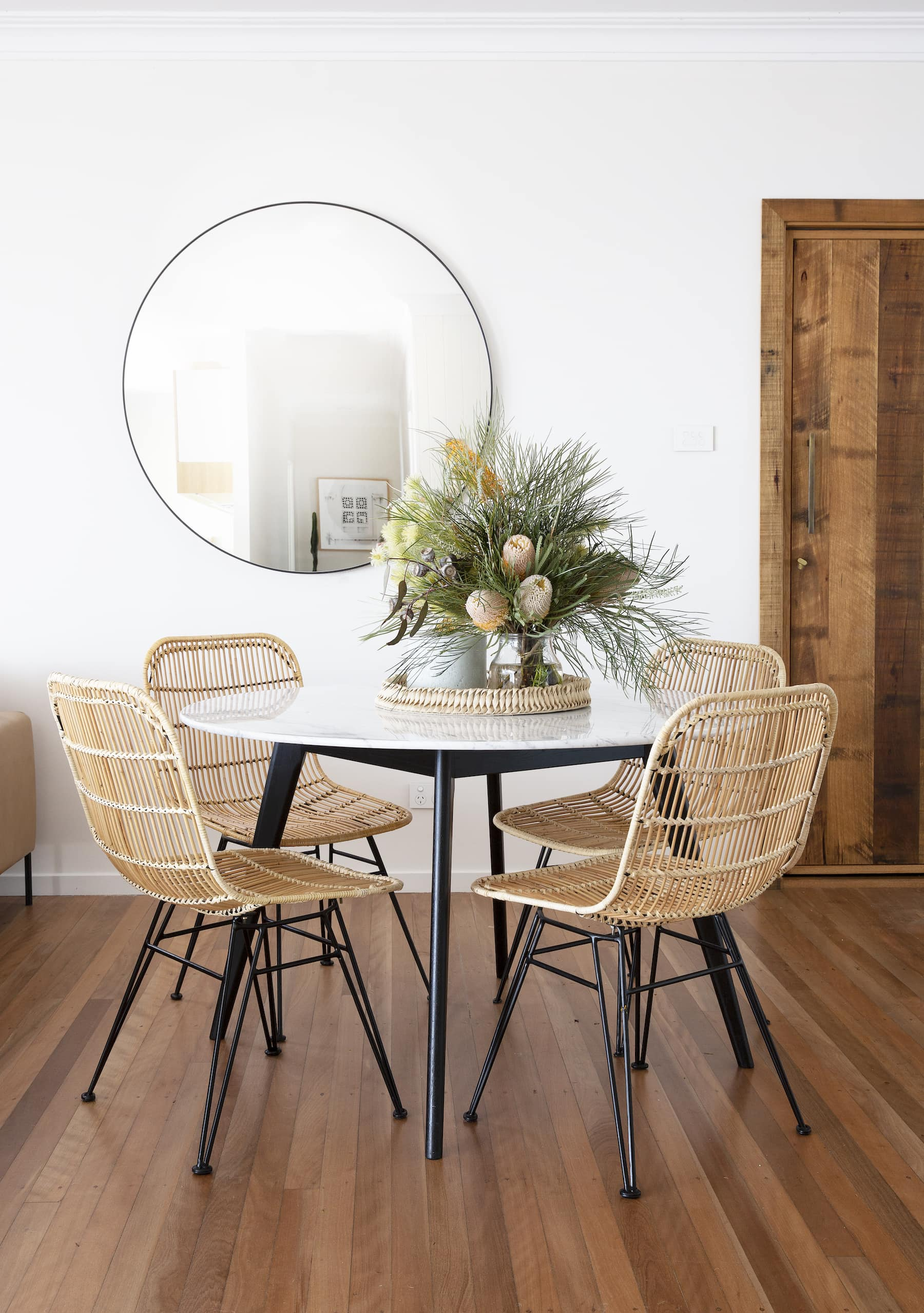 How To Match A Dining Table With The Right Chairs Tlc Interiors