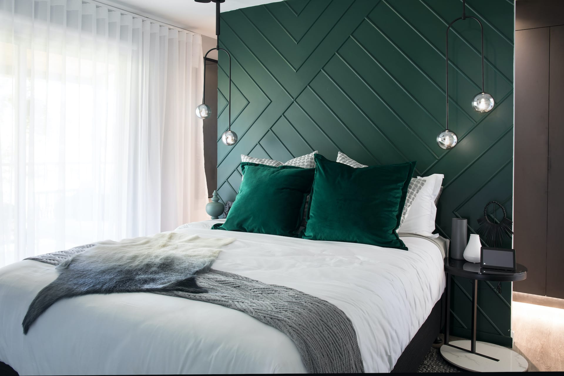 house rules 2020 tamara and rhys bedroom with green feature wall