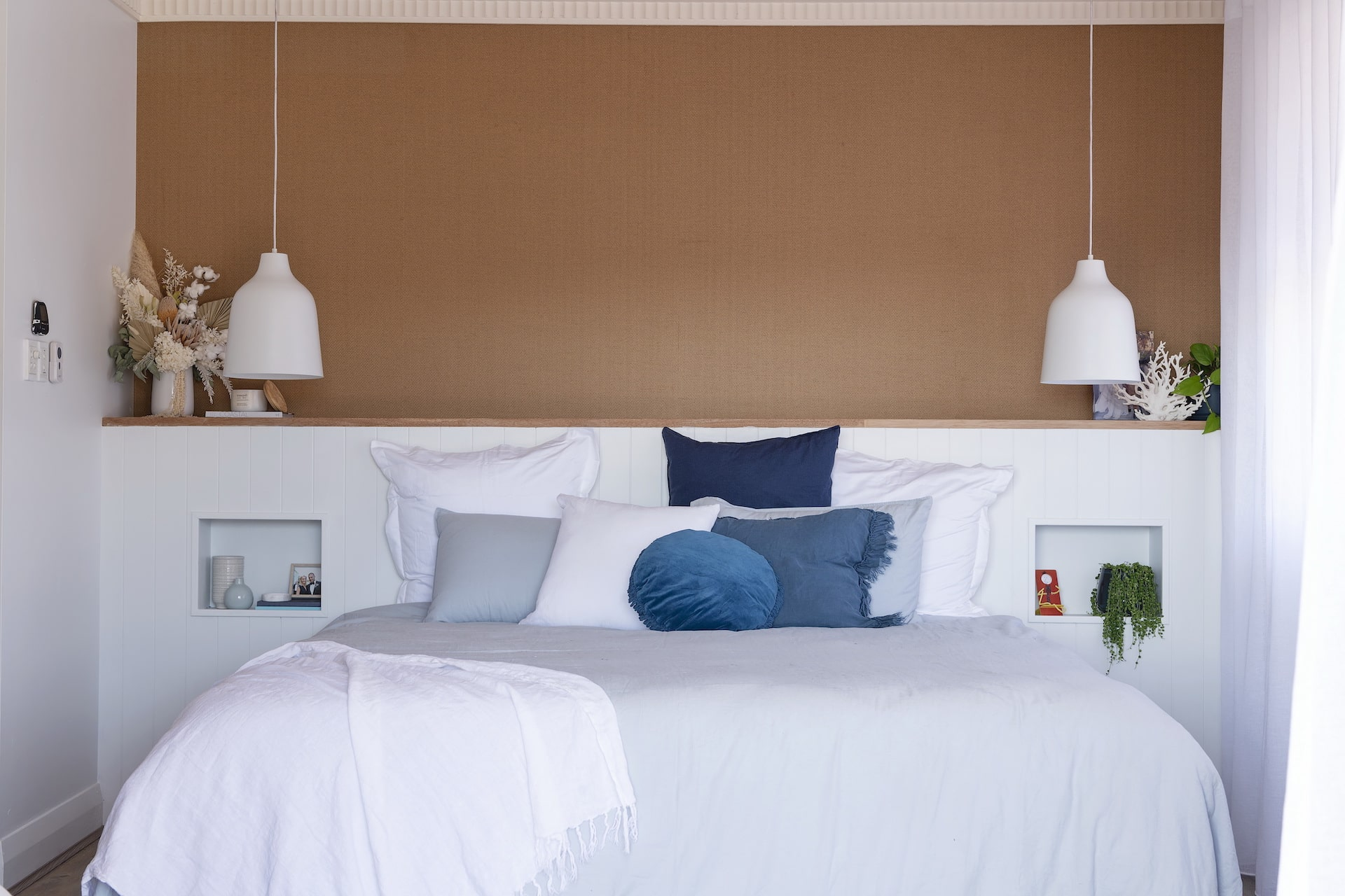 house rules 2020 tanya and dave reveal coastal hamptons master bedroom with beige feature wall