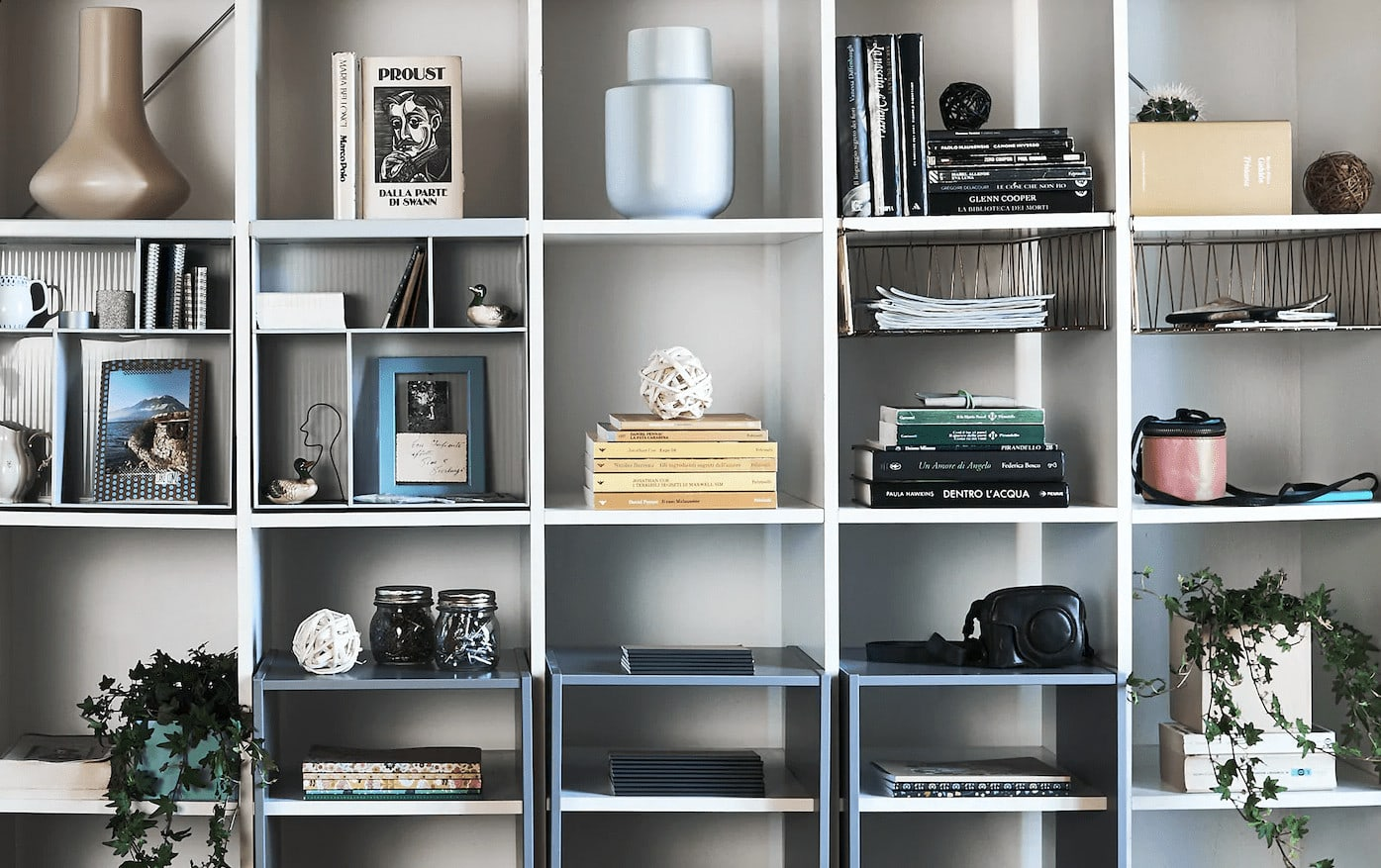 ikea kallax shelf styling with books