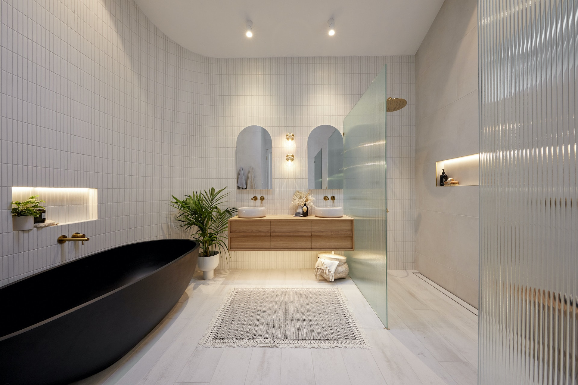 the block 2020 master ensuite luke and jasmine bathroom with curved tiled wall