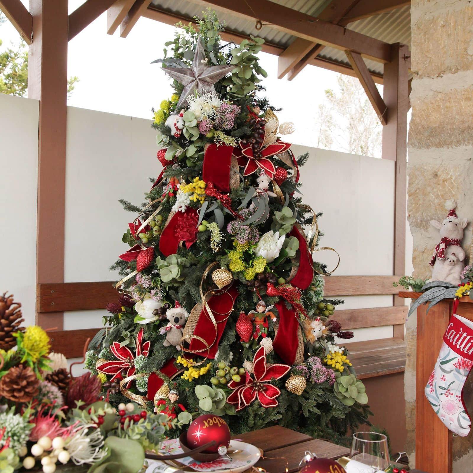 australian christmas tree decorating bushland theme