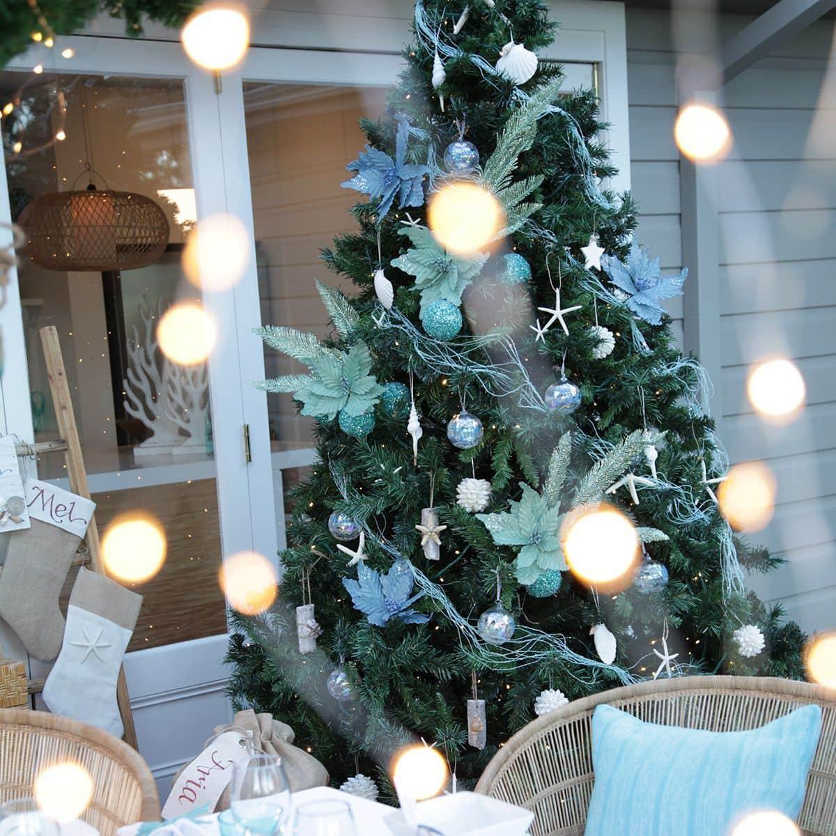 coastal blue and white christmas tree decorating ideas
