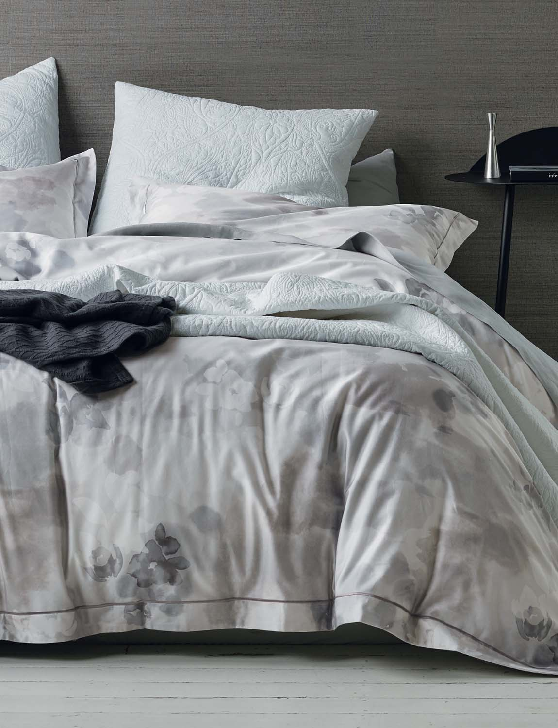lorraine lea nile white and grey quilt cover set