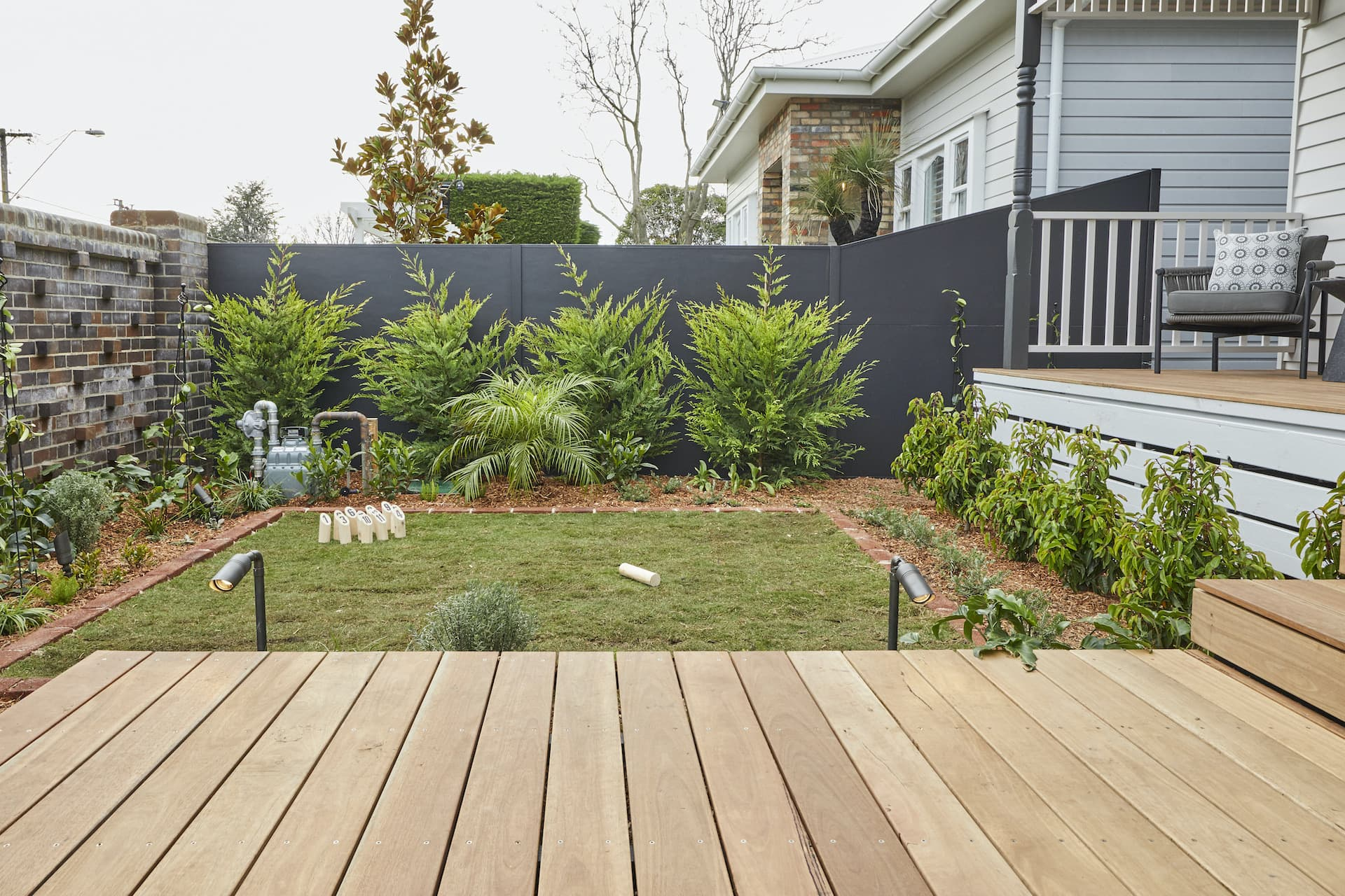 the block 2020 daniel and jade front yard path decking