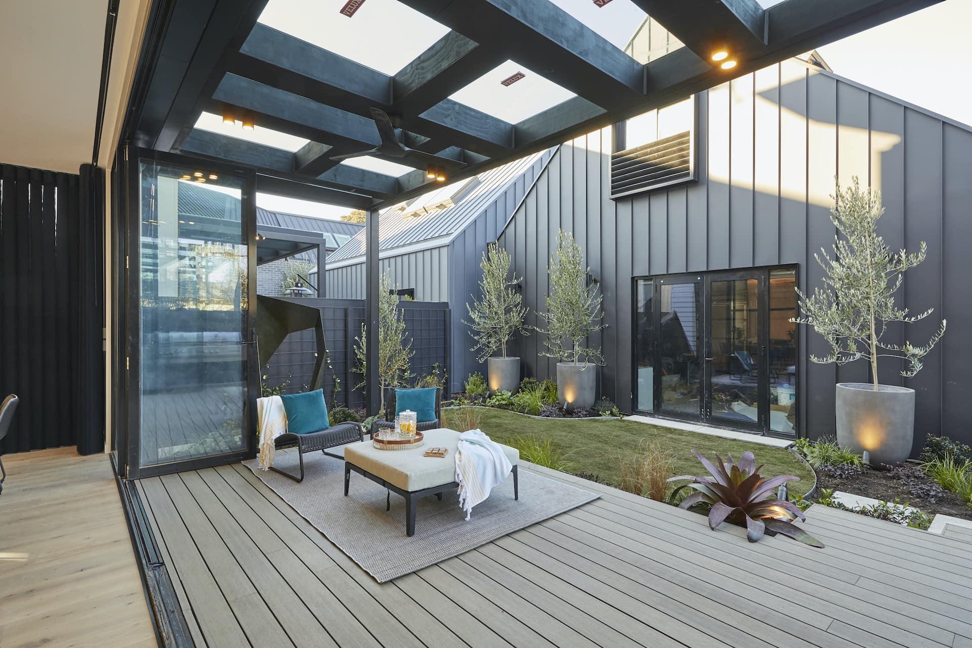 the block 2020 daniel and jade back verandah