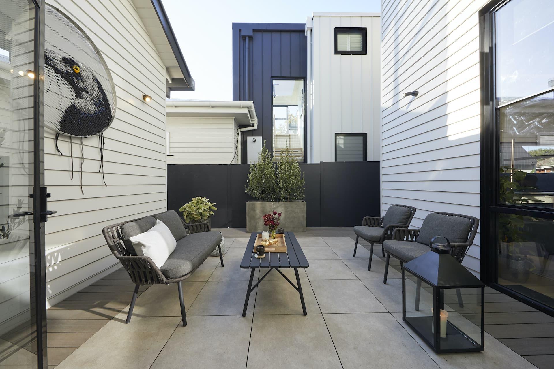the block 2020 daniel and jade courtyard magpie artwork