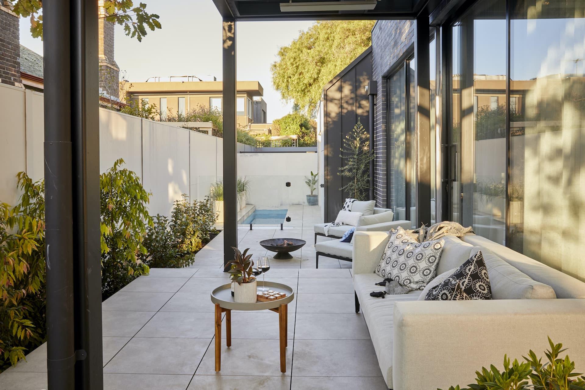 the block 2020 harry and tash backyard