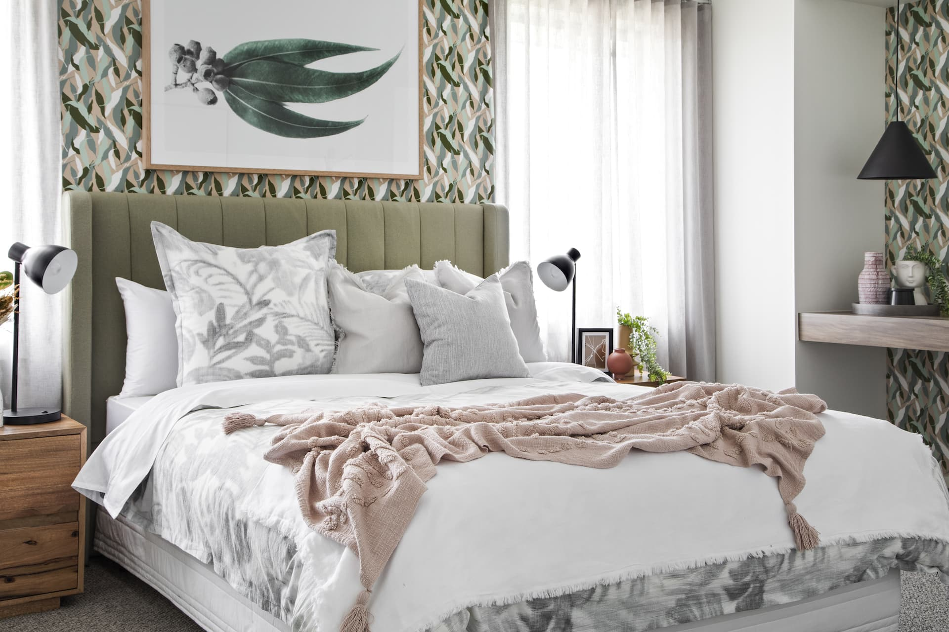 lorraine lea mimosa quilt cover set in australiana bedroom design with gumnut wallpaper